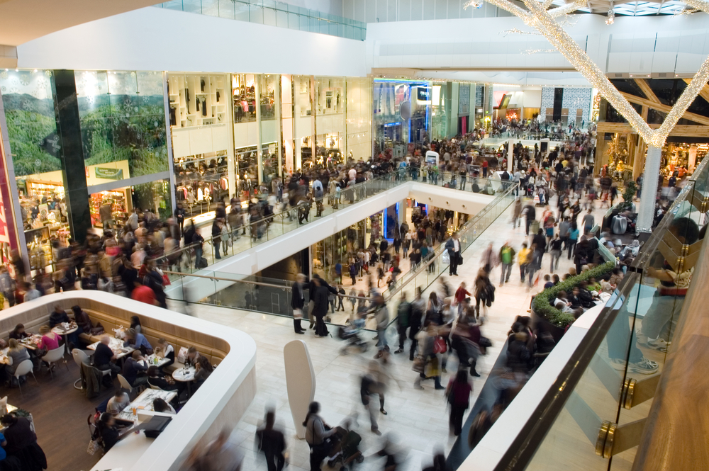 How Shopping Malls can Retain an Advantage over Online Shopping