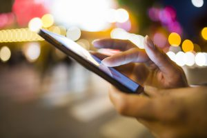 Top 5 Reasons to Use Mobile Devices for Door-to-Door Sales